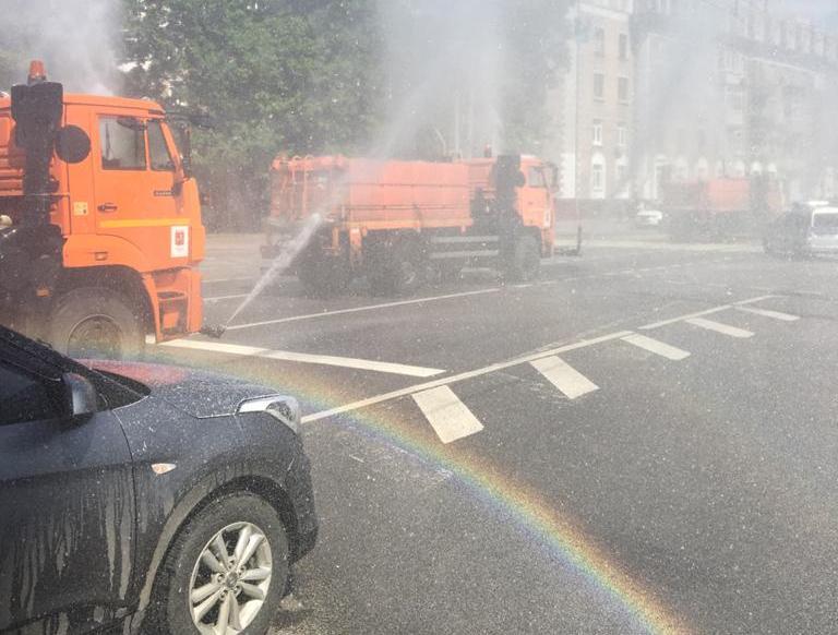 Коммунальщики Сокола 6 июня обработают улицы и дворы противовирусным средством
